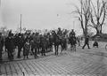 Kavallerie Patrouillen auf dem Kornhausplatz während des Landesstreiks - CH-BAR - 3241491.tif