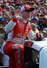 Kevin Harvick at the Daytona 500 (cropped).JPG