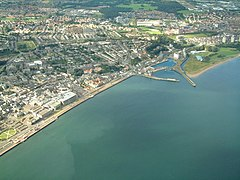 Kirkcaldy and its harbour - geograph.org.uk - 1143873.jpg