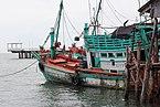 Kmer boat in the Stueng Hav District.jpg