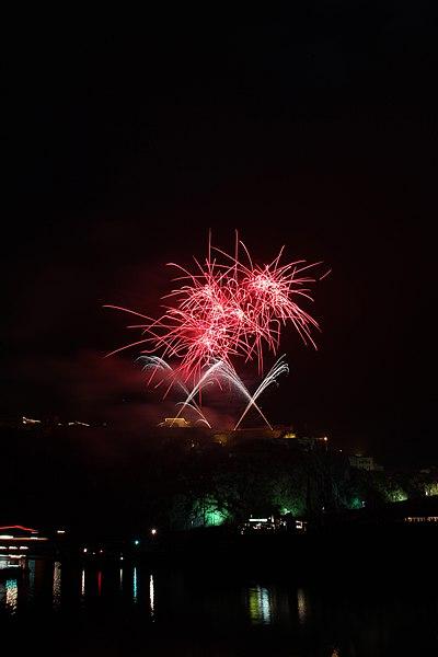 File:Koblenz im Buga-Jahr 2011 - Rhein in Flammen 02.jpg