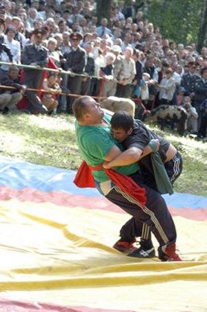"Kurash - Tatar-style wrestling ""Köräş"""