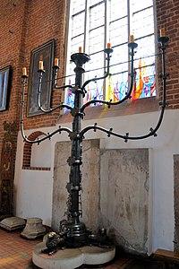 Kolobrzeg katedra swiecznik (1).jpg