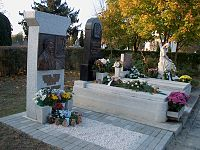Koszta József dísz-sírja a szentesi Kálvária temetőben.JPG