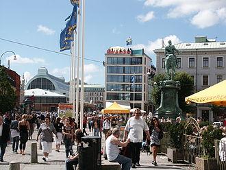 Kungsportsplatsen - The Kungsporten square towards Saluhallen and Avalon Hotel