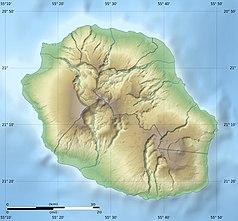 """Mapa konturowa Reunionu, w centrum znajduje się punkt z opisem """"Park Narodowy Reunionu"""""""