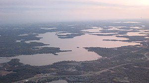 Luftbild des Lake Minnetonka (Wayzata Bay und Lower Lake)