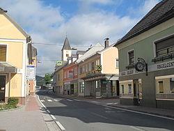 Lavamünd, straatzicht met kerktoren foto1 2011-07-22 09.06.jpg