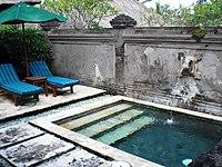 Le Meridien Nirwana Bali Villa private pool (2926930162).jpg