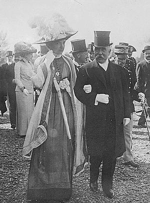 John George Alexander Leishman - Ambassador Leishman with the Queen of Italy at an exhibition in Rome