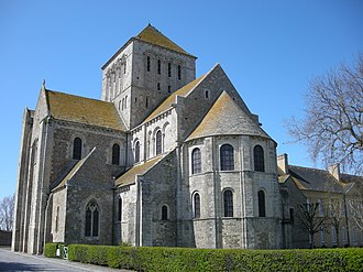 Romanesque architecture - The traceried window to the left of the building indicates that the steeply gabled vestry dates from the Gothic period.