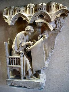 L'evangelista Matteo, scultura del XIII secolo al Museo del Louvre
