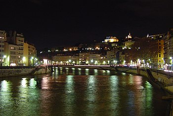 English: The Saône river in Lyon by night. Pho...