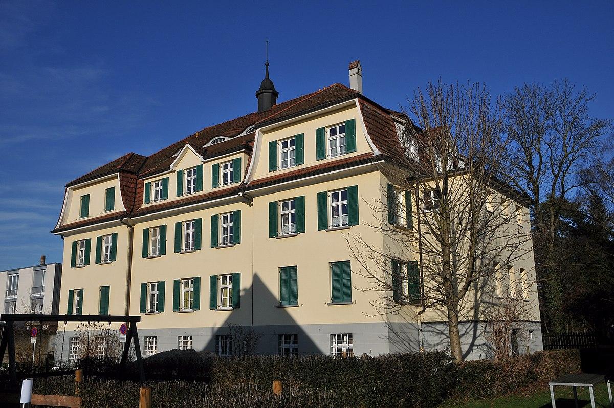 Mädchenwohnheim