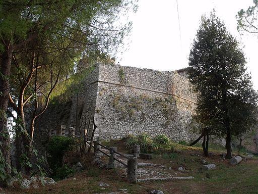 Saturnia, Rocca
