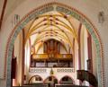 Mariä Himmelfahrt (Bad Höhenstadt) 04 Blick zur Empore mit Orgel.png