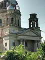 Mausoleul din Bobda vazut de la soseaua principala.jpg