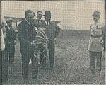 Max Knipping parachute Vinay Blanquier.jpg
