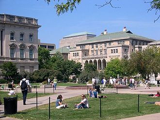 Memorial Union (Wisconsin) - Image: Memorial Union and quadrangle