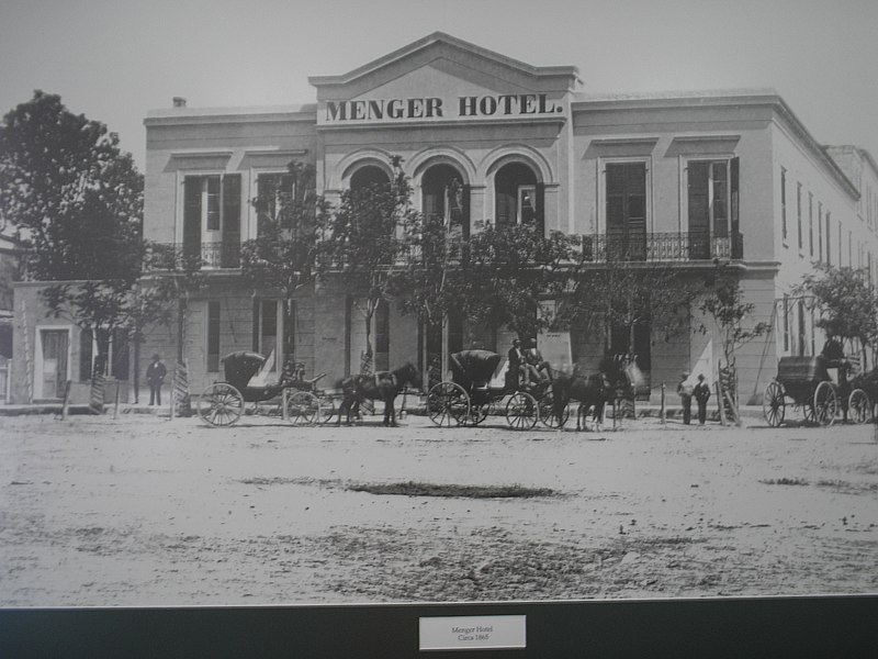 File:Menger Hotel San Antonio Texas photo of histrical photo.jpg