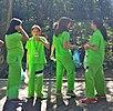 Meksikurbaj infanoj en lernejaj uniformoj marto 2010.jpg