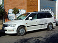 Mitsubishi Chariot Grandis Super Exceed GDi 1998 (12060142643).jpg