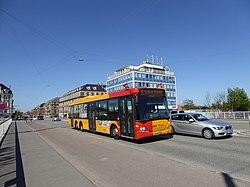 Movia bus line 1A on Svanemøllebroen.jpg