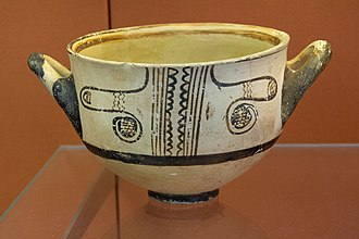 Kalymnos - Myenaean poterry bowl with a pattern derived from the popular cuttlefish motif, 1200-1100 BC (LH IIIc). Found on Kalymnos. British Museum