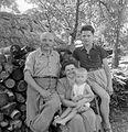 Németh Antal (a helyi múzeum alapítója) és családja. Fortepan 15126.jpg