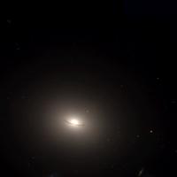 NGC 1199-HST10787 45-R814G606B450.png