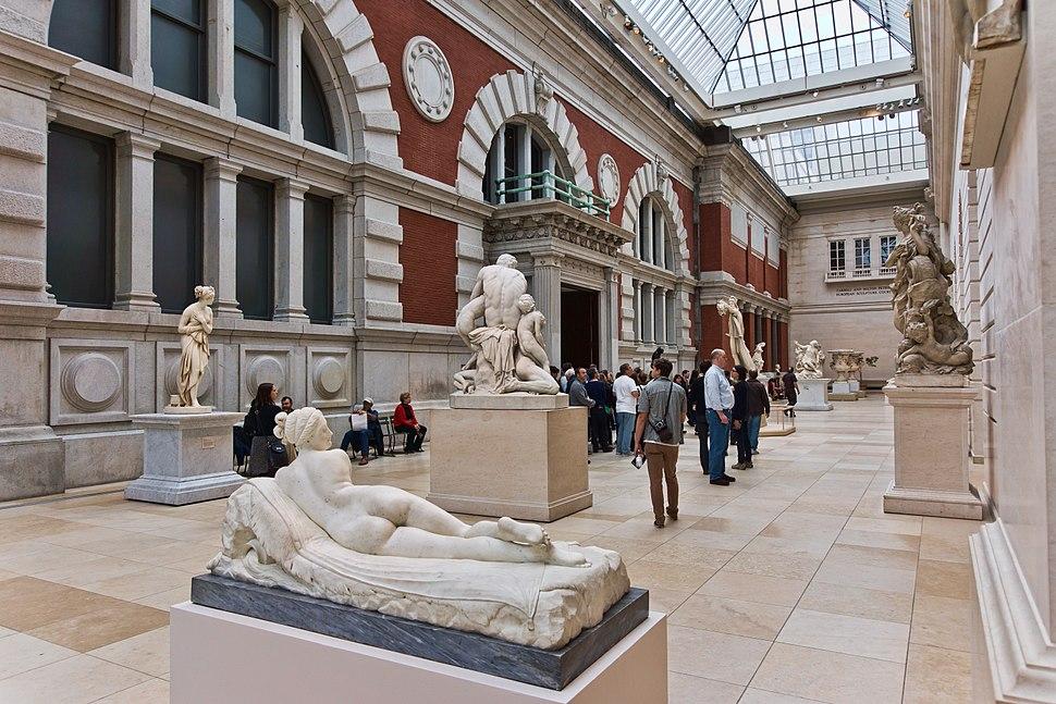 NYC - Metropolitan Museum - Carroll and Milton Petrie European Sculpture Court