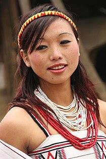 Naga female by retlaw snellac.jpg