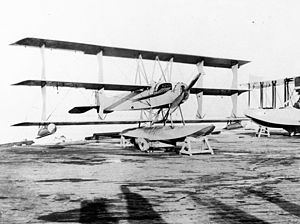 Curtiss Model L - Navy Curtiss L-2 on floats