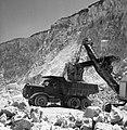 Nesher quarry, 1956 (id.27595746).jpg