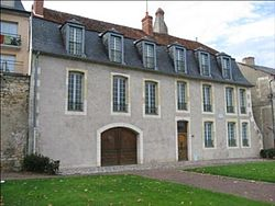 Nevers immeuble XVIIe PA00112953 02.jpg