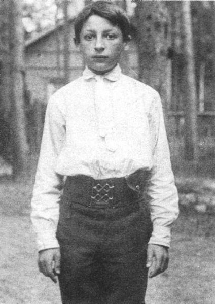 File:Nicolas-Slonimsky-1910.jpg