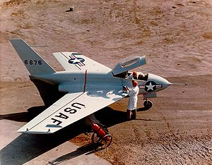 Northrop X-4 Bantam - Preparing for flight