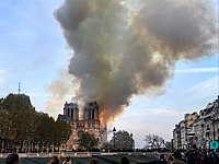 Notre-Dame incendi 15 abril 2019.jpg