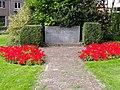 Oorlogsmonument Zarkenplantsoen Monnickendam.jpg