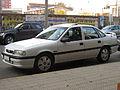 Opel Vectra 2.0i GLS 1994 (17748025772).jpg