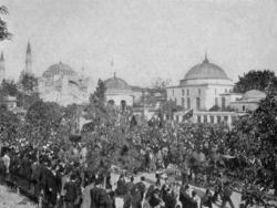 Sultanahmet Meydanı'nda halk yürüyüşü