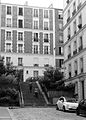 P1260982 Paris XVIII rue Abbe-Patureau rwk.jpg