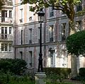 P1330744 Paris V rue du Val-de-Grace N7-9 batiments rwk.jpg