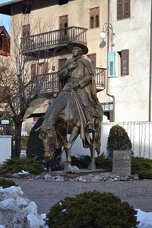 Eusebio Kino - Equestrian statue in Segno