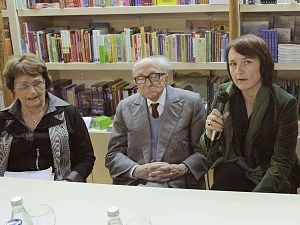 Boris Pahor - Boris Pahor at a public event together with the historians Milica Kacin Wohinz (left) and Marta Verginella (right)