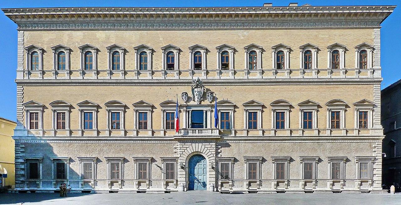 1280px-Palazzo_Farnese_Fassade.jpg