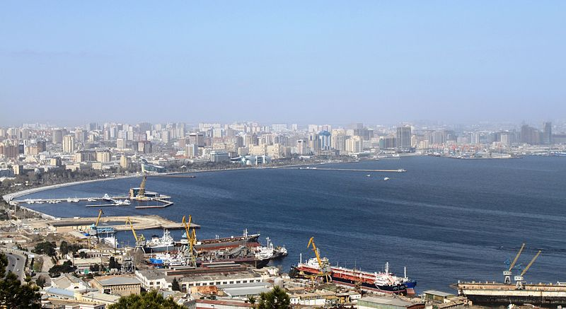 Fichier:Panoramic Baku.jpg