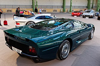 Paris - Bonhams 2016 - Jaguar XJ220 coupé - 1992 - 002.jpg