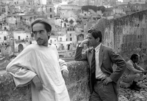 """Foto di scena realizzata da Domenico Notarangelo a Pasolini durante le riprese del film """"IL Vangelo secondo Matteo"""""""