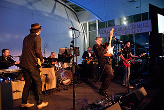 Paul Allen - Paul Allen and the Underthinkers perform at the Allen Institute for Brain Science's 10th-anniversary gala.